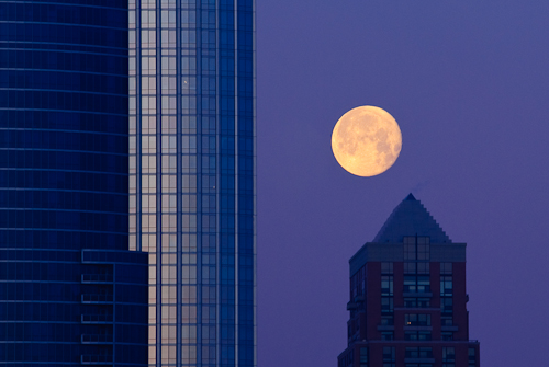 Moon Moment